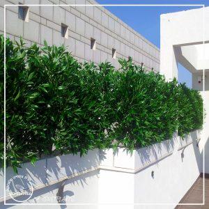 צמחייה מלאכותית עמידה לשמש